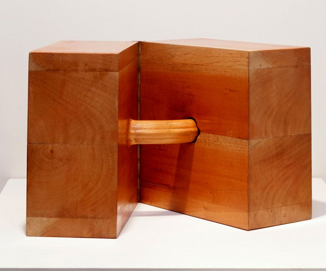 In love (after Brancusi), 2004-2007 / Wood and hinge / 25 x 25 x 25 cm