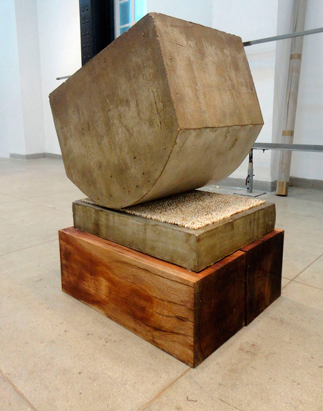 Stress (in memoriam), 2004-2012 / Concrete, wood and real teeth of different people / 85 x 65 x 53 cm