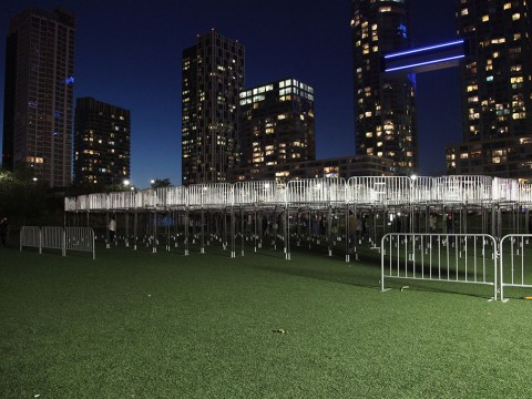 Open mind (barricades), 2014 / night view