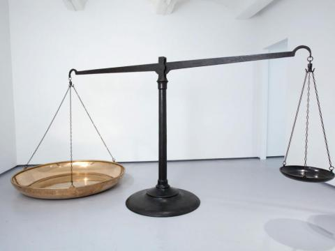 Status Quo (reality and idealism), 2010 / Bronce fundido / 180 x 400 x 200 cm